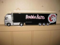 Rowwen Hèze ondersteunt het Roojse Huus 2013